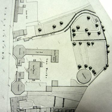 Map showing octagonal gas holders, coal shed etc on Saltisford road | WCRO ref. CR1618, Warwick Board of Health Map 1851