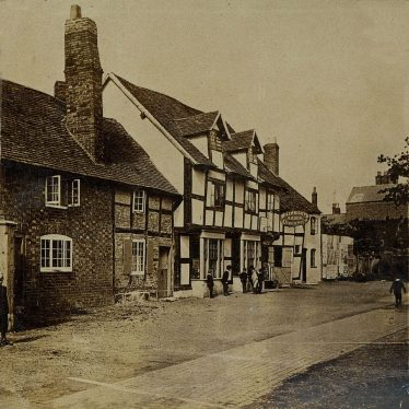 Then and Now: The Millwright Arms, Warwick