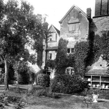 Abbots Salford.  Nunnery