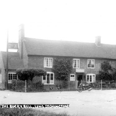 Long Itchington.  Buck and Bell public house