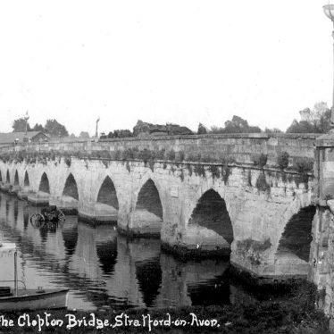 Stratford upon Avon.  Clopton Bridge