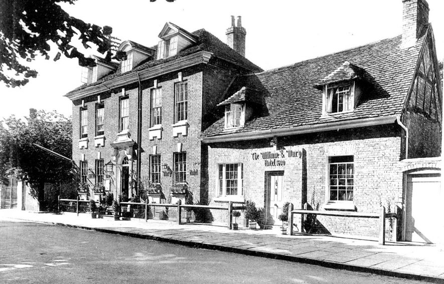Exterior of The William and Mary Hotel, Old Town, Stratford upon Avon.  1940s |  IMAGE LOCATION: (Warwickshire County Record Office)