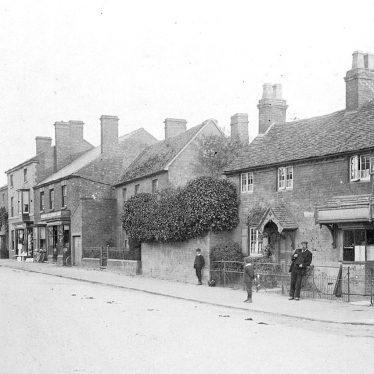 Wellesbourne.  Warwick Road