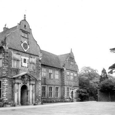 Arbury.  Arbury Hall