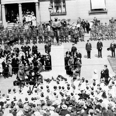 Leamington Spa.  Parade, unveiling war memorial