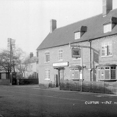 Clifton upon Dunsmore.  Bull Inn