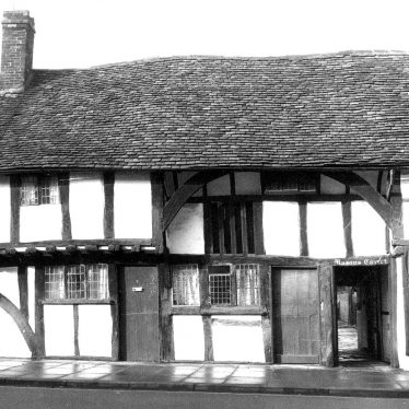 Stratford upon Avon.  2 Masons Court, Rother Street