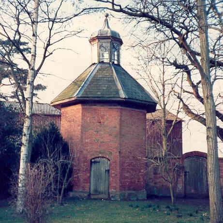 18th Century Dovecote At Offchurch Bury Our Warwickshire