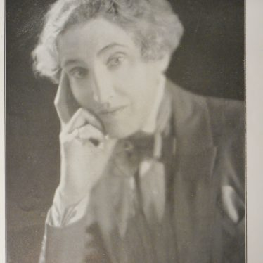 Gwen Lally. Gender and the Warwick Pageant of 1930