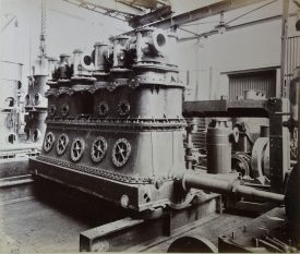 A prototype hybrid Heilmann steam-electric locomotive engine developed in 1897 for testing on the French railways. | Warwickshire County Record Office reference CR 4031, photo album No. 2. Used with kind permission of Alstom Ltd.