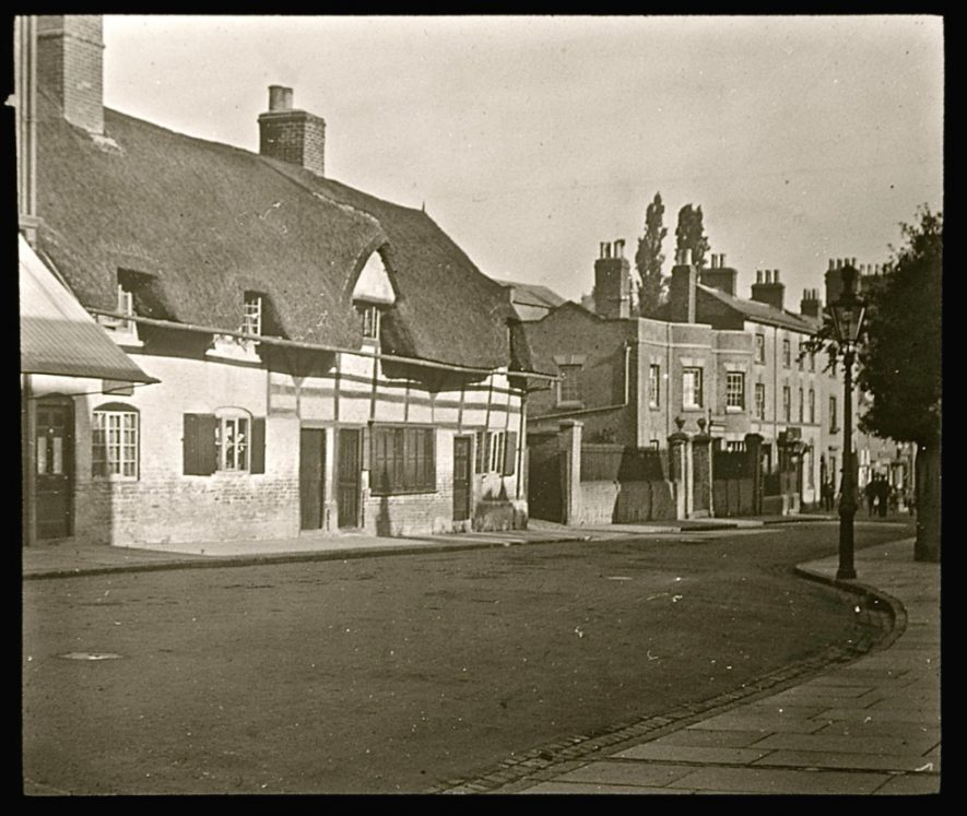 Timber-framed cottages in North Street (now the NatWest Bank) | Warwickshire County Record Office reference PH827/4/18. Reproduced with the permission of the Local Studies Collection at Rugby Library.
