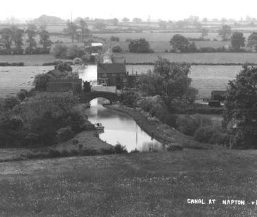 The Oxford Canal at Napton, view from the north. 1930s. | Reference PH352/128/29.