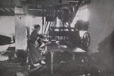 Women's War Work: HMSO September 1916