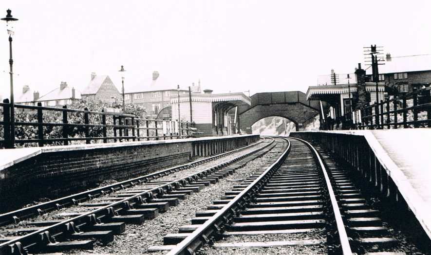 Chilvers Coton Railway Station in the 1950s.Looking towards Coventry on the Nuneaton – Coventry line. | Photo part of the Nuneaton Local History Group Collection.