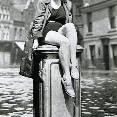 Photo of Nuneaton's Mermaid in the Floods of 1932