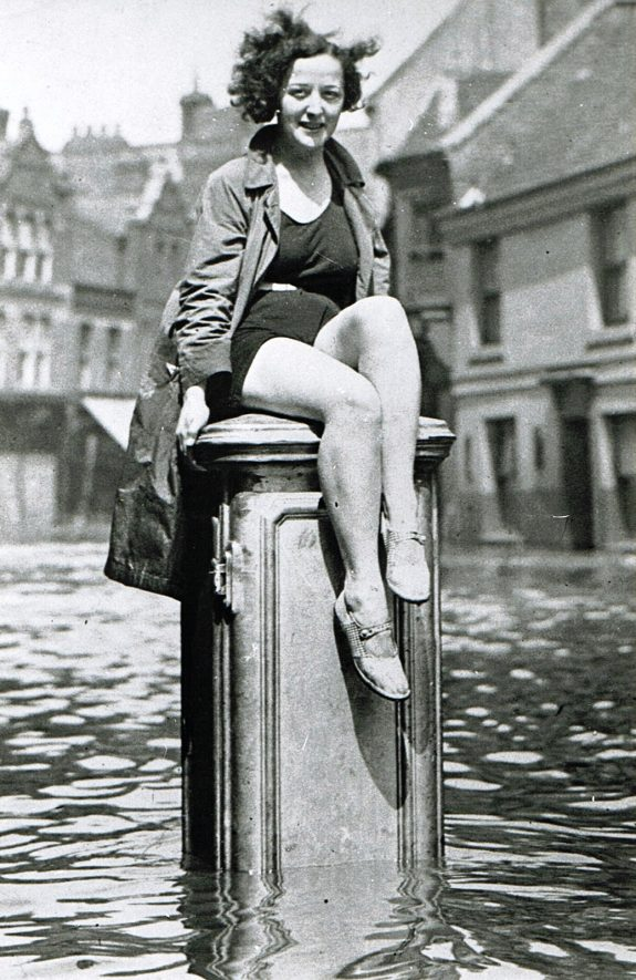 Nuneaton's Mermaid in the Floods of 1932 | Photograph courtesy of Jean Lapworth, from the Nuneaton Local History Group Collection.