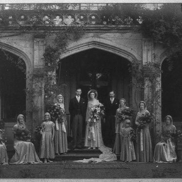 Photograph of the wedding of the eldest Heber-Percy daughter at Guy's Cliffe House, 1920s. | Warwickshire County Record Office reference PH1035/C2317