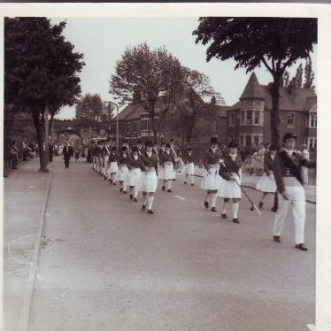 Nuneaton Carnival, 1965. Drachenfels Hotel in background | Nuneaton Memories