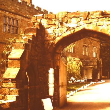 Astley Castle, 1976. | Picture courtesy of Will Roe, Nuneaton Memories