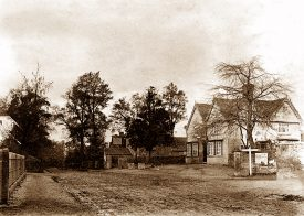 The Wilson Arms and edge of the Lodge in 1914. | Photo courtesy of the Knowle Local History Society