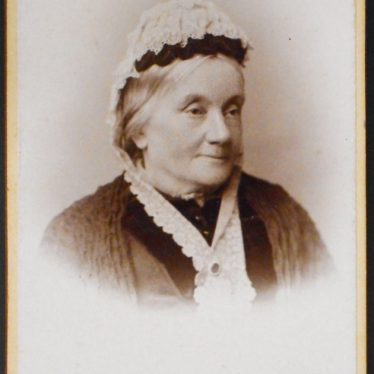 Photograph of elderly lady ('Grannie Ann Townsend'), pre 1893 Carte de visite by Graham's Art Studios of Photography, Leamington Spa. | Warwickshire County Record Office, CR4651/493