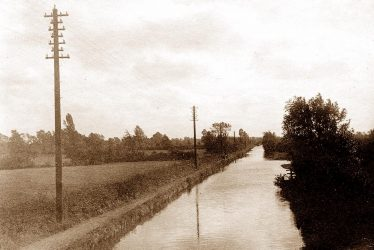 The Canal Through Knowle