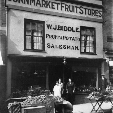 Photograph of W.J. Biddle's Greengrocer shop in Cornmarket, Warwick [1926]. | Warwickshire County Record Office, PH1035/C7143. Copy by W.C. Allan of photograph lent by Mr J. Smith.