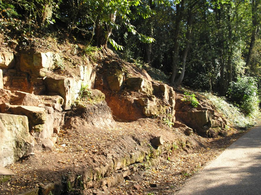 Kenilworth Sandstone exposed in Kenilworth old railway cutting | Warwickshire Museum
