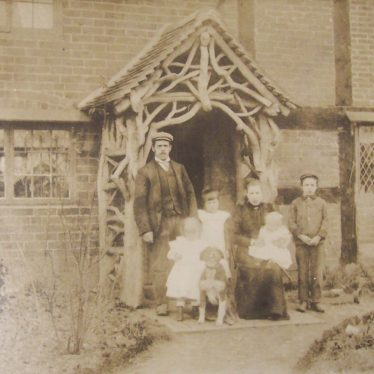 Burton Green, approx 1901. beatrice Golby is front left. | Warwickshire County Record Office reference CR4479/40