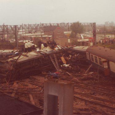 Rail crash at Nuneaton, 6 June 1975 | Photo courtesy of June Farmer