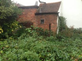 Kenilworth Pound before restoration - totally overgrown | Kenilworth Civic Society
