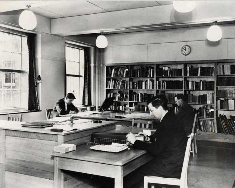 The Warwickshire County Record Office search room. Shire Hall, Warwick, 1959. | Image courtesy of Warwickshire County Record Office