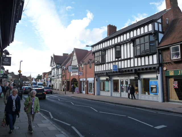 Part of Wood Street, Stratford-upon-Avon in 2012. | © Copyright Jeremy Bolwell and licensed for reuse under the Creative Commons  Attribution-ShareAlike 2.0 Generic license. Originally uploaded to www.geograph.org.uk