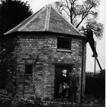 Black and white photo of the hexagonal tower belonging to Basket Hall   Image courtesy of the Stratford Herald, supplied by Eileen Lockyer