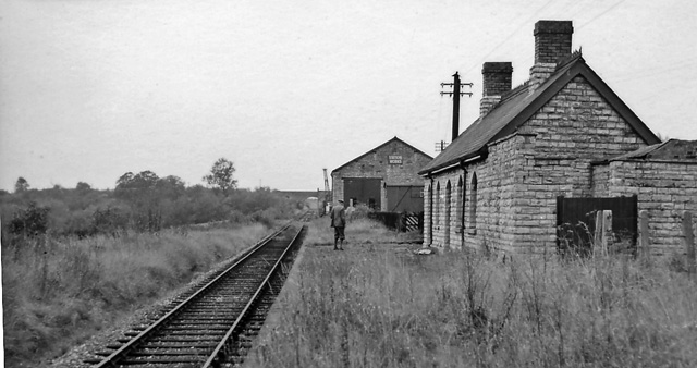 Binton station, 1960. | Originally uploaded to Wikipedia