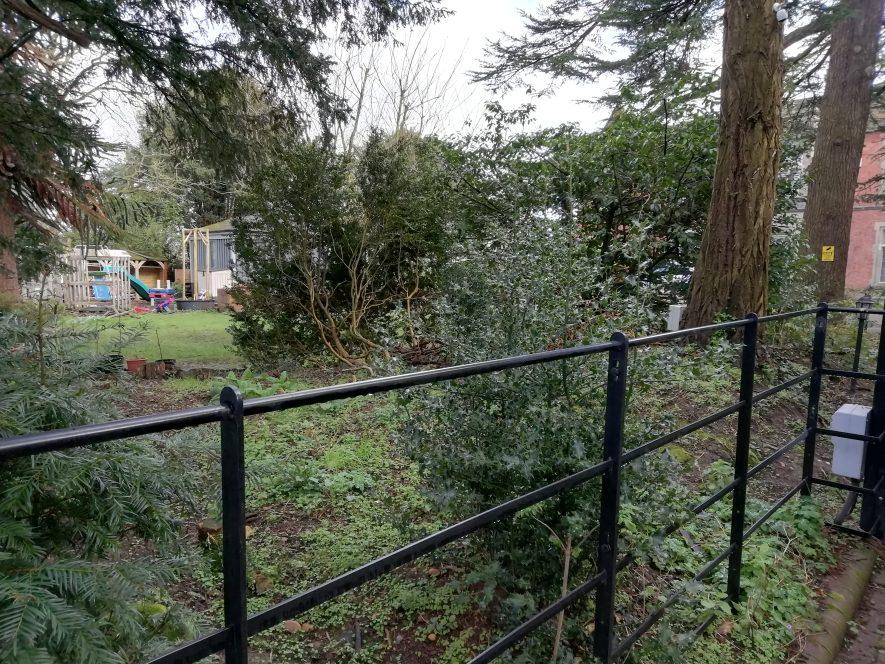 Photo of Radford Hall front garden, Radford Semele | Image courtesy of Gary Stocker, February 2020