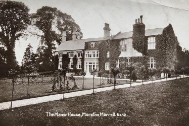 Moreton Morrell. Moreton Manor