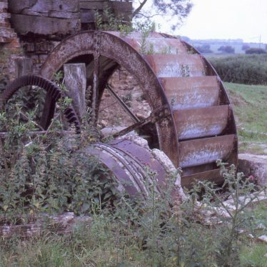 Detail of pit wheel and part of wooden hurst frame which supported millstones   Image courtesy of Tim Booth
