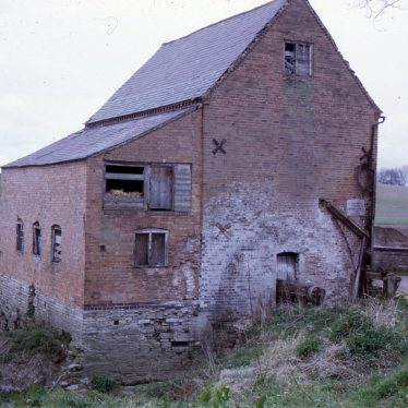 colour photo of Welford Mill, clearly showing the wheel | Image courtesy of Tim Booth