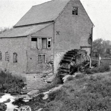 black and white photo of Welford Mill, clearly showing the wheel | Image courtesy of Tim Booth