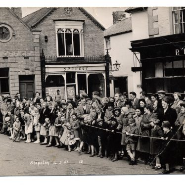Crowds awaiting May Day procession, Shipston on Stour 14th May 1951. | Warwickshire County Record Office reference PH 352/158/141