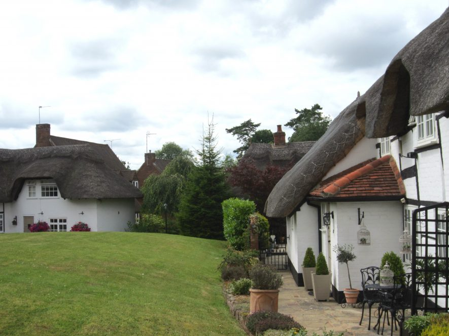 Little Virginia, Kenilworth. Thatched and timber-framed cottages surrounding a green | Image courtesy of Anne Langley
