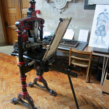 Cast iron printing press with hand-operated frame | Image courtesy of Anne Langley