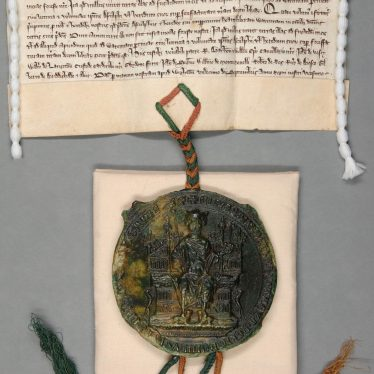 The Great Seal of England attached to the document allowing de Cleseby free warren over his land. | Warwickshire County Record Office reference CR341/2