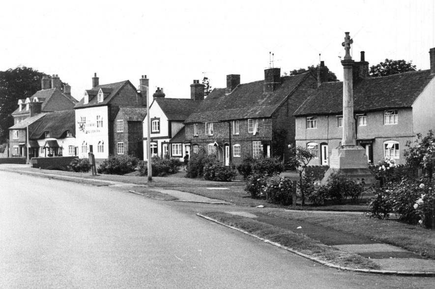The Red Lion in Wolston, showing the two thin cottages that once stood next to it. | Image courtesy of Bob Grainger
