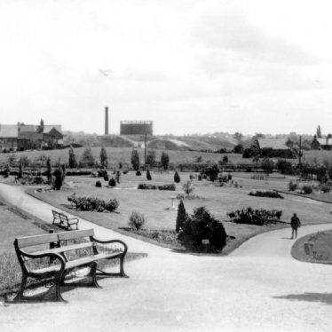 Photograph of the Miners Welfare Park, Bedworth, 1930s | Warwickshire County Record Office, PH649/3 (original at Bedworth Library)