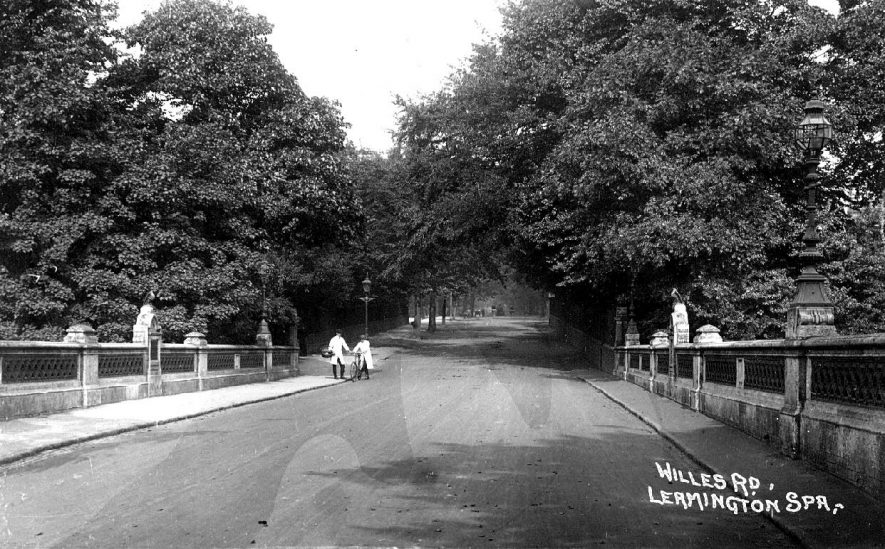 Willes Road, Leamington Spa,  with two delivery men and bicycle.  1910s |  IMAGE LOCATION: (Warwickshire County Record Office)
