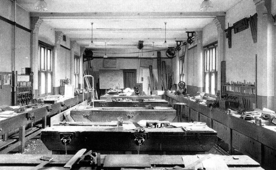 Manual Workshop at Leamington College, Binswood Avenue, Leamington Spa.  1920s |  IMAGE LOCATION: (Warwickshire County Record Office)