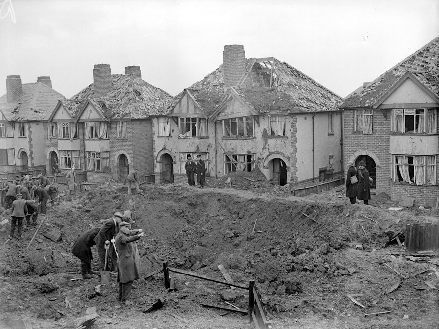 Bomb damaged houses in Llewellyn Road, Leamington Spa.  1941 |  IMAGE LOCATION: (Warwickshire County Record Office)