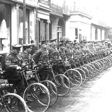 Leamington Spa.  Parade, Gloucester Cycle Regiment